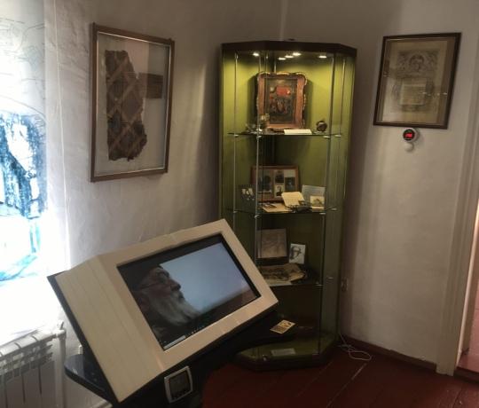 Студенты семинарии ознакомились с новыми экспонатами музея свт. Луки