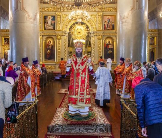 i11 сентября митрополит Тамбовский и Рассказовский Феодосий совершил Божественную литургию