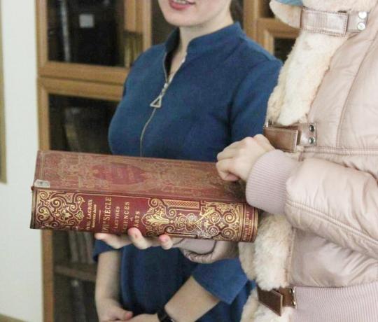 Студенты пропедевтического курса совершили обзорную экскурсию в Тамбовскую областную универсальную научную библиотеку им. А. С. Пушкина