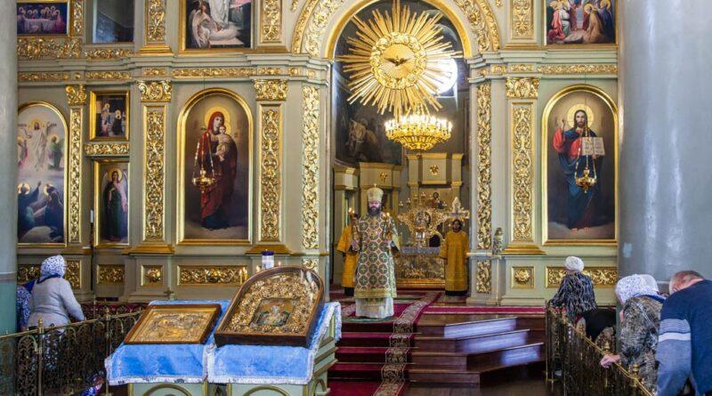 5 сентября митрополит Феодосий совершил Божественную литургию в Спасо-Преображенском соборе города Тамбова